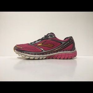 BROOKS GHOST 7 Sz 10 Pink Athletic Running Shoes